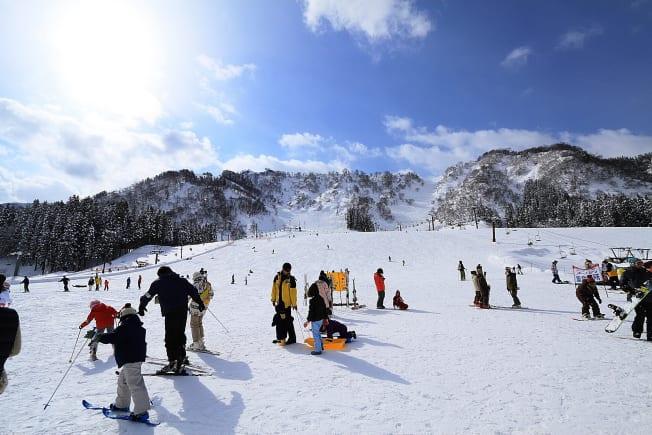 Free 1-Day Hakusan Ichirino Hot Springs Ski Resort lift ...